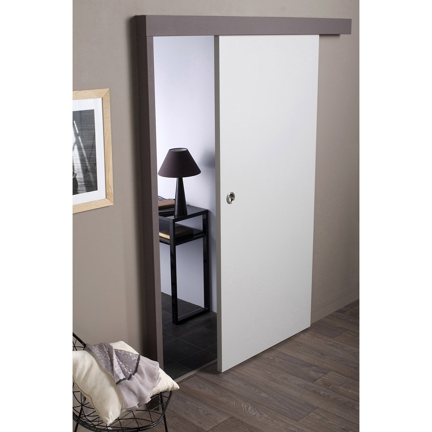 Ensemble porte coulissante isoplane avec le rail jazz 2 en aluminium leroy merlin for Porte coulissante en applique scrigno