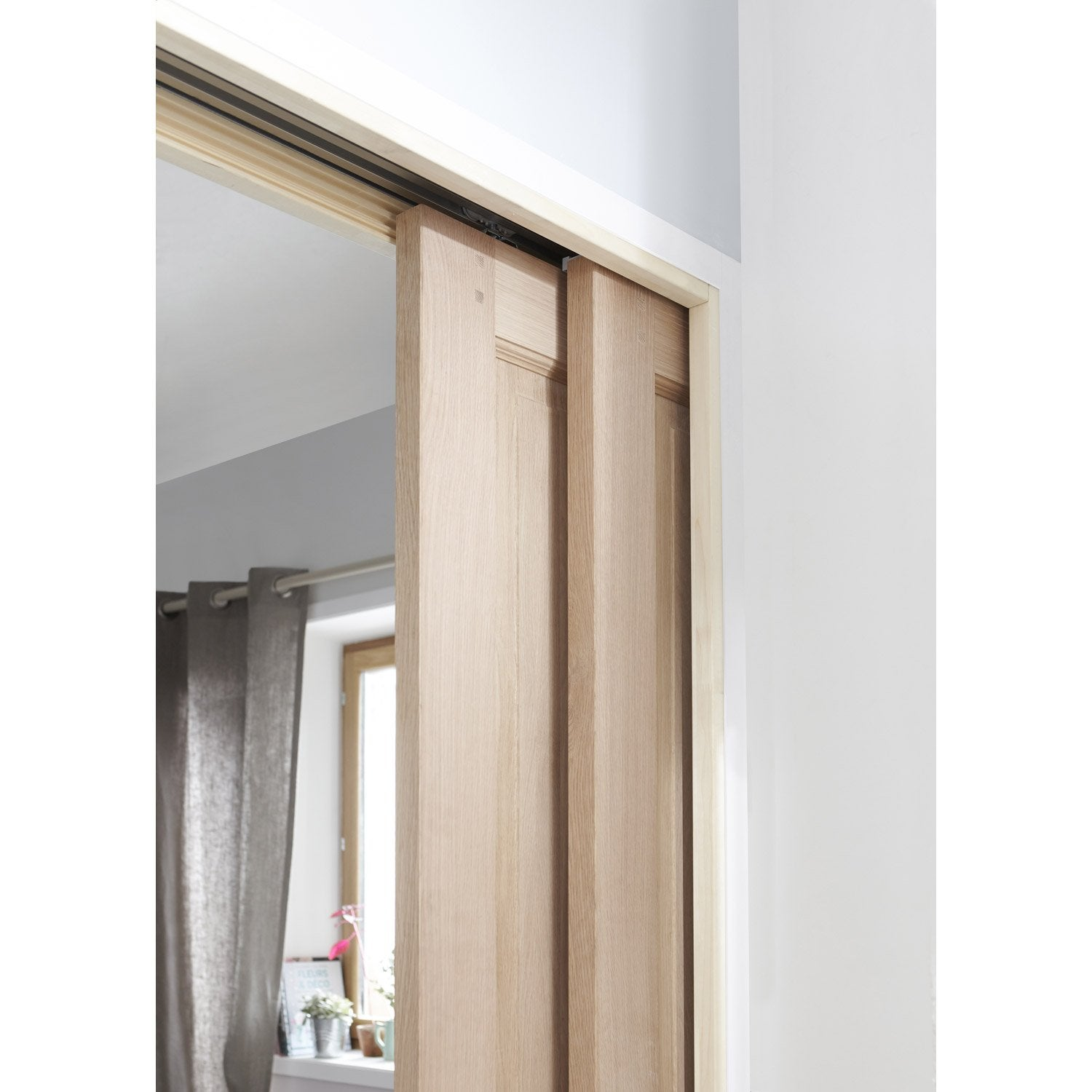 Stunning habillage porte coulissante gallery transform - Kit rail porte coulissante ...