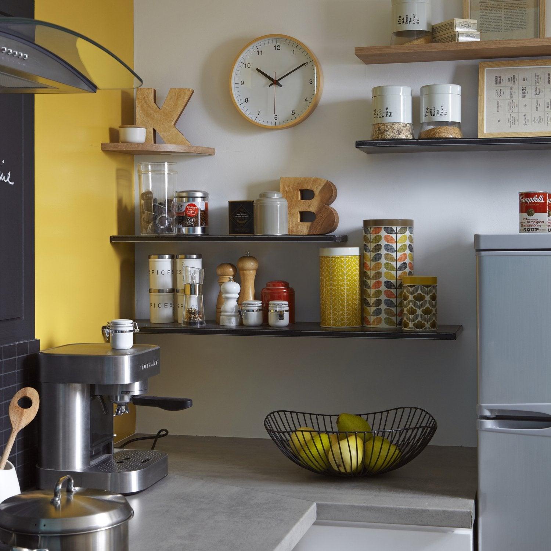 La touche moderne avec des meubles de cuisine m tal for Meuble cuisine metal