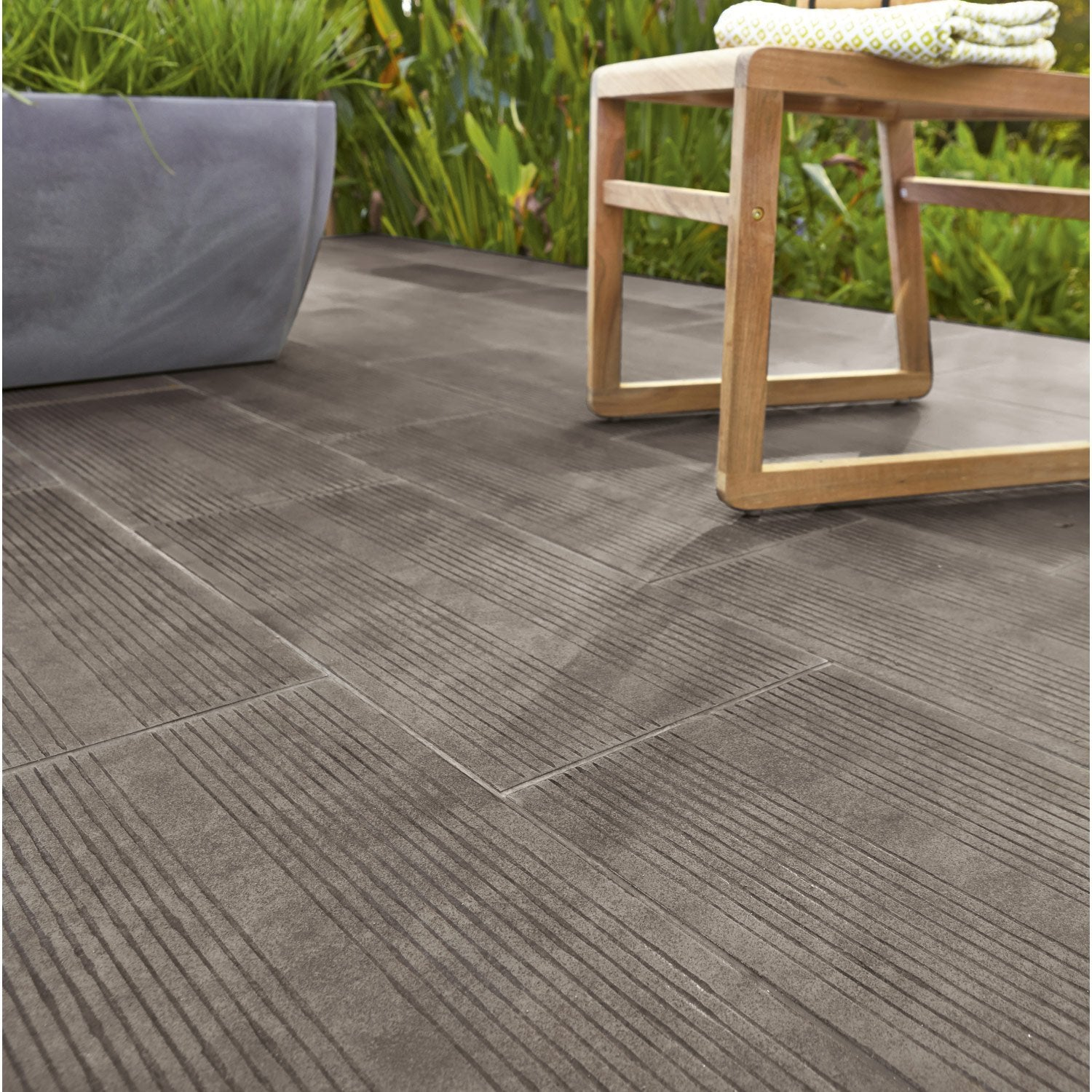 Carrelage exterieur anthracite elegant carrelage for Exterieur nature