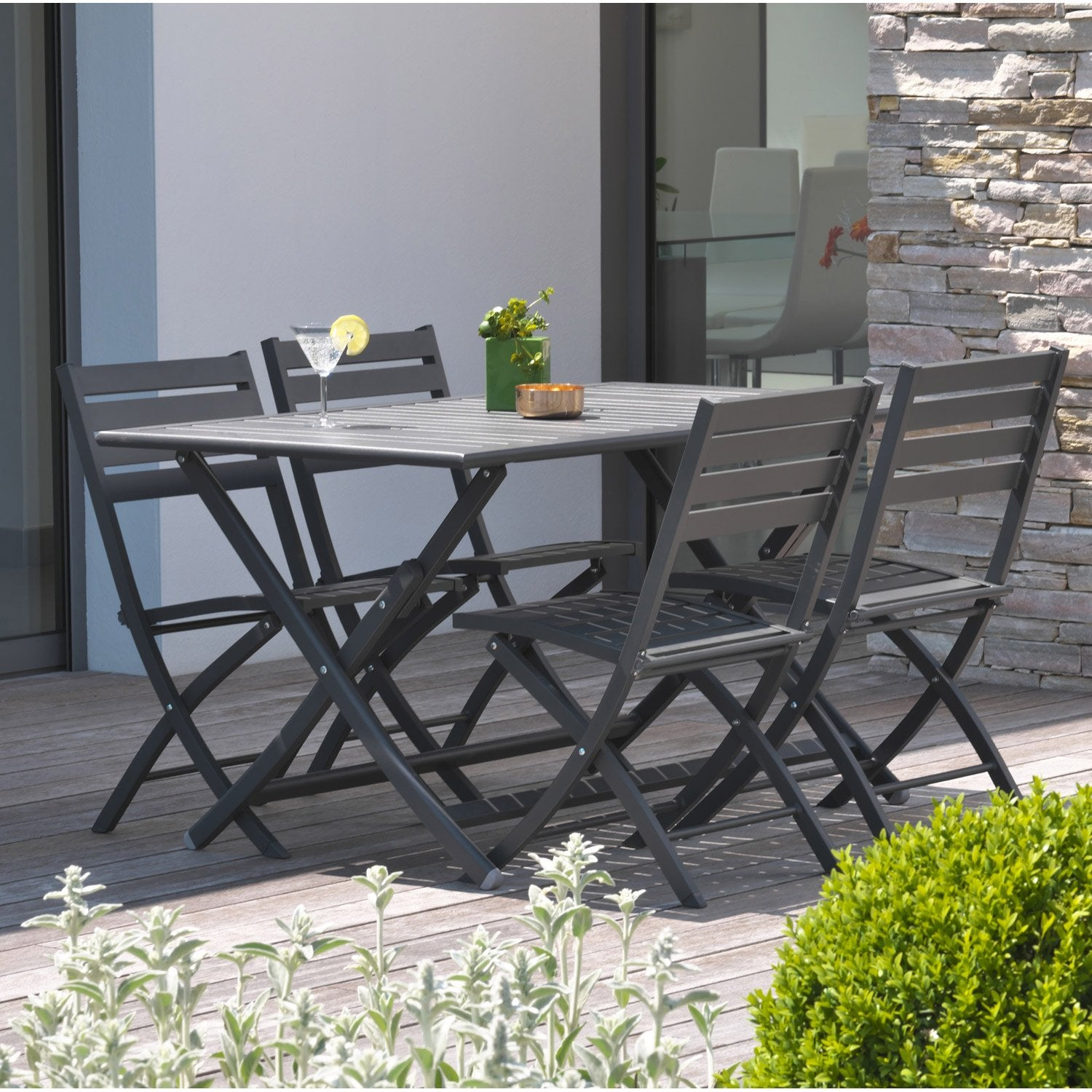 Salon de jardin marius gris anthracite 4 personnes for Salon de jardin plastique gris
