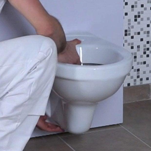 remplacer un wc poser par un wc suspendu 1h30 2h leroy merlin. Black Bedroom Furniture Sets. Home Design Ideas