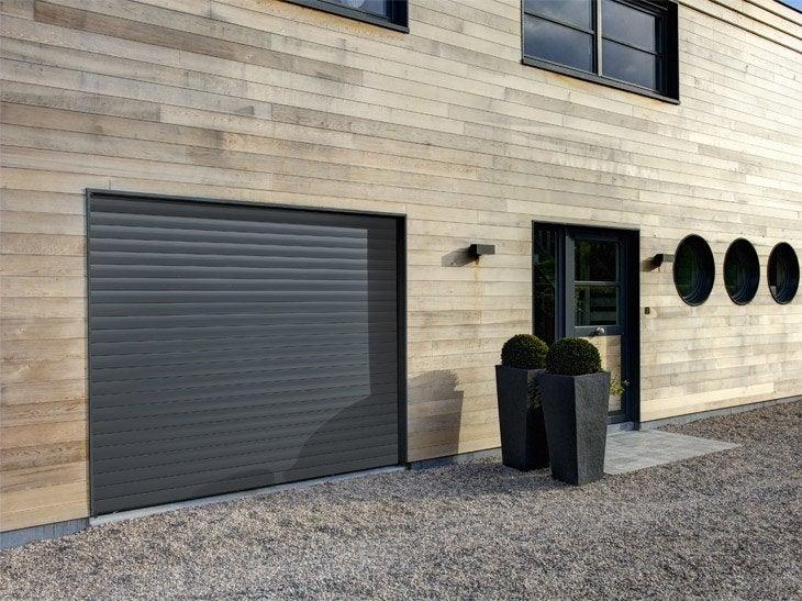 Portes de garage sur mesure sous haute surveillance - Porte de garage enroulable motorisee leroy merlin ...