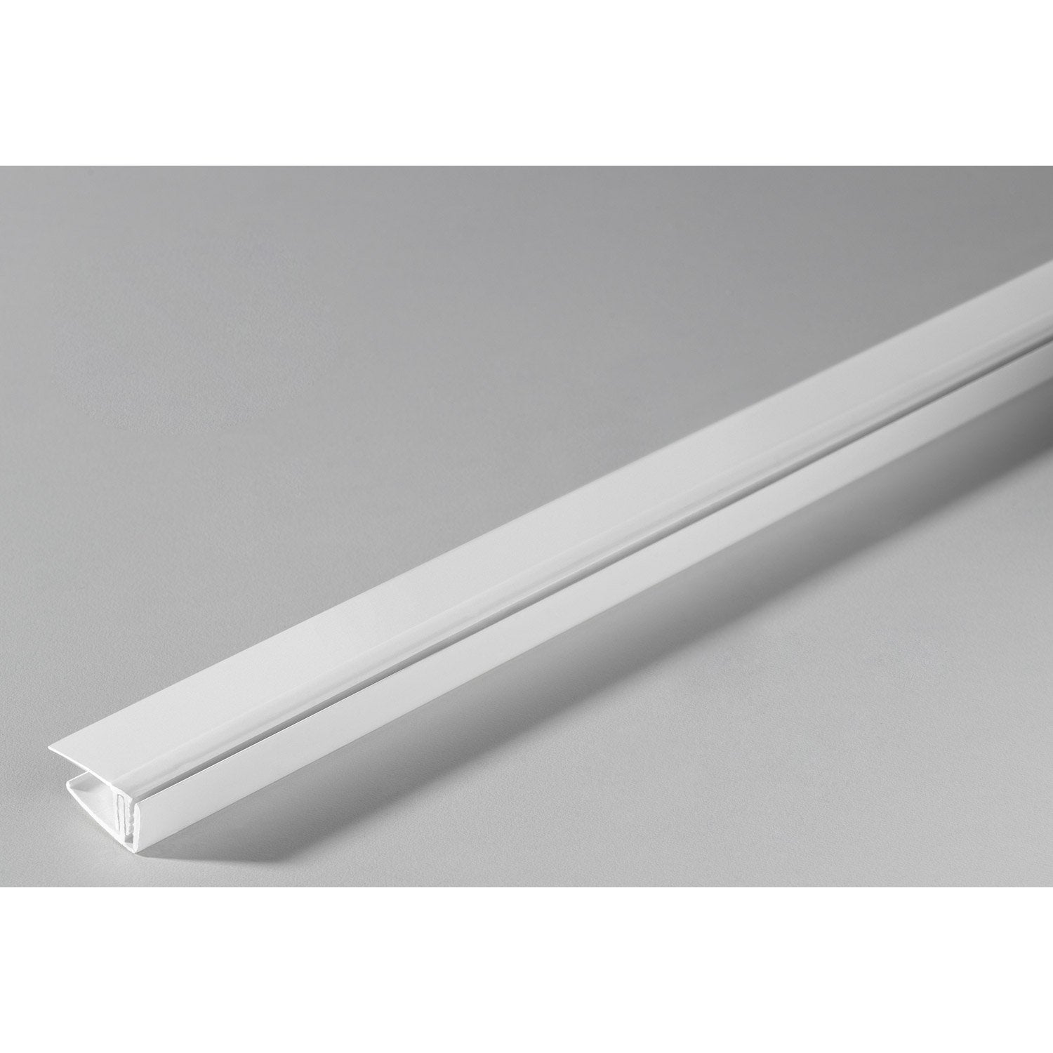 Profil de finition clipsable grosfillex pvc blanc for Laminas pvc leroy merlin