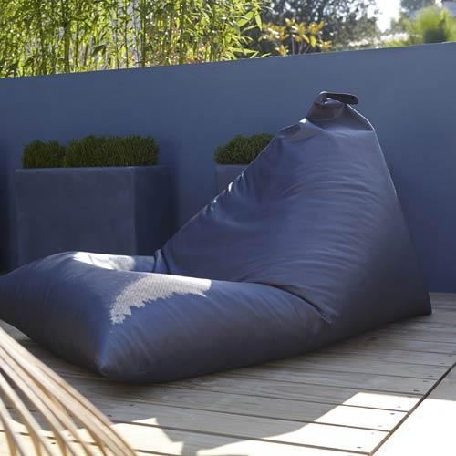 Salon de jardin table et chaise terrasse et jardin for Coussin pouf exterieur