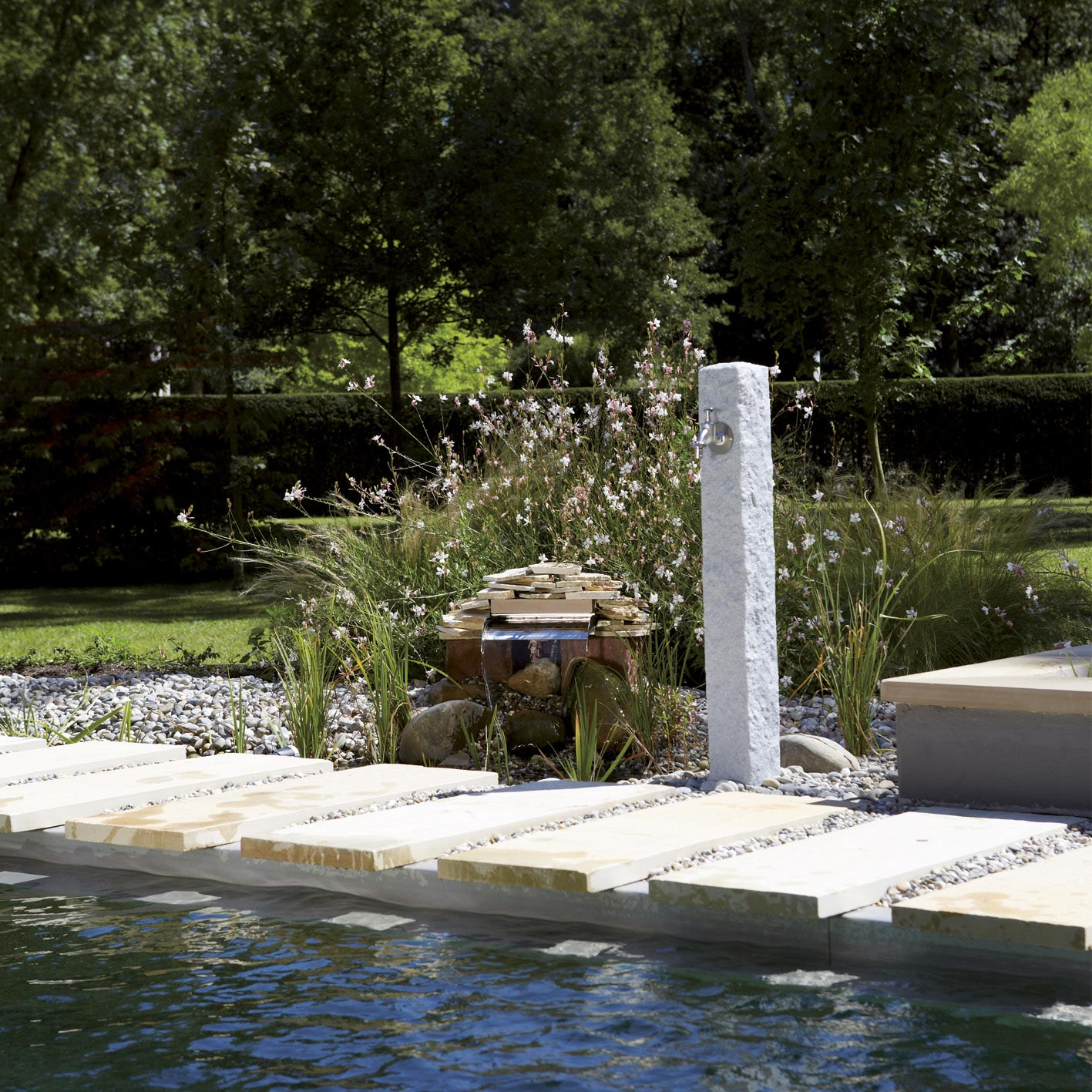 fontaine de jardin en plastique gris 356026 leroy merlin. Black Bedroom Furniture Sets. Home Design Ideas