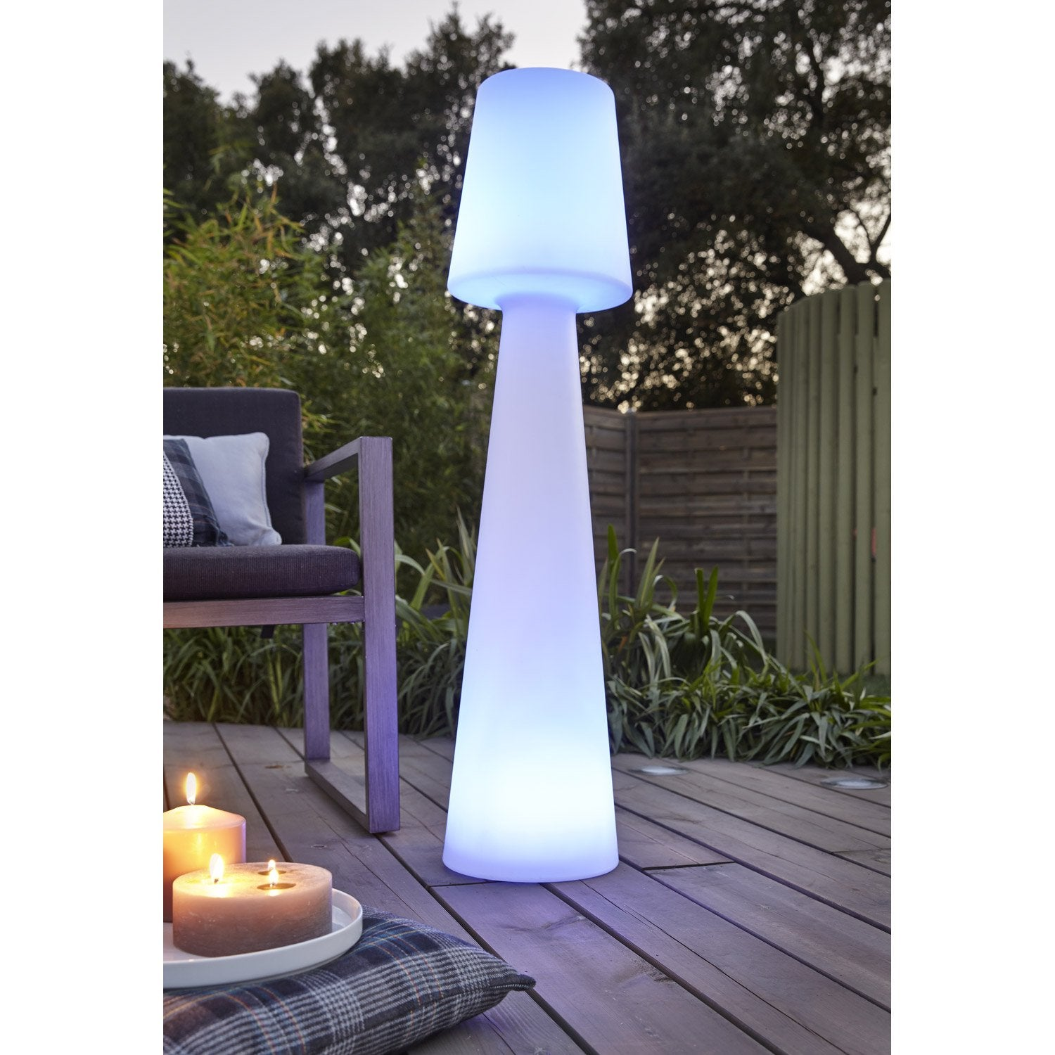 Lampadaire ext rieur lola 110 cm led int gr e couleurs for Eclairage de jardin leroy merlin