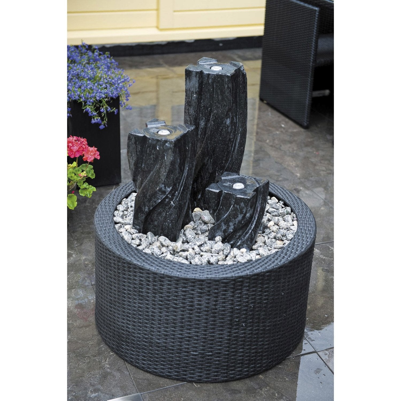 Fontaine contour en plastique noir victoria leroy merlin for Idee deco fontaine exterieur