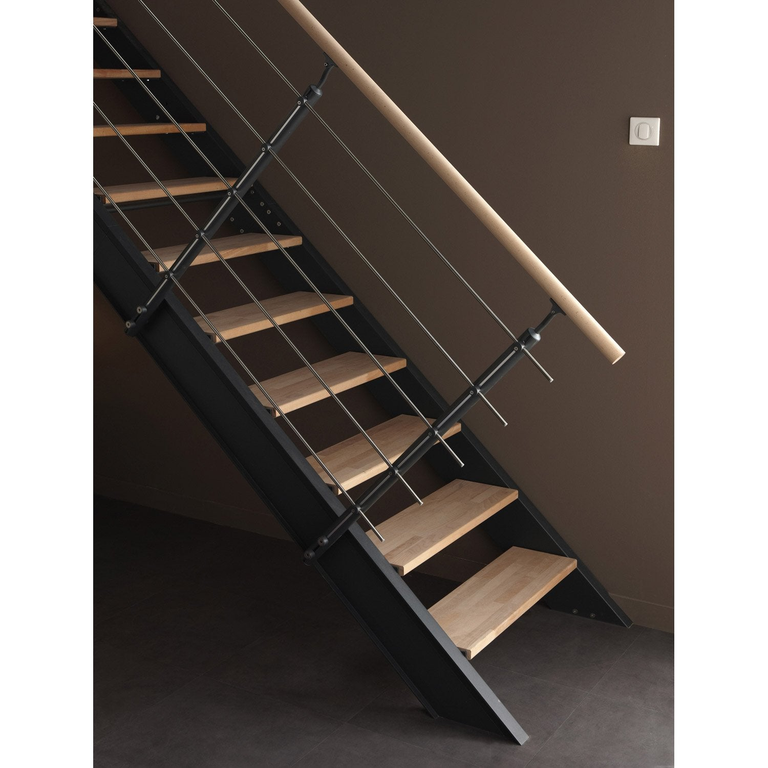 montage escalier leroy merlin montage escalier escamotable 5 mots cl s mesure montage escalier. Black Bedroom Furniture Sets. Home Design Ideas