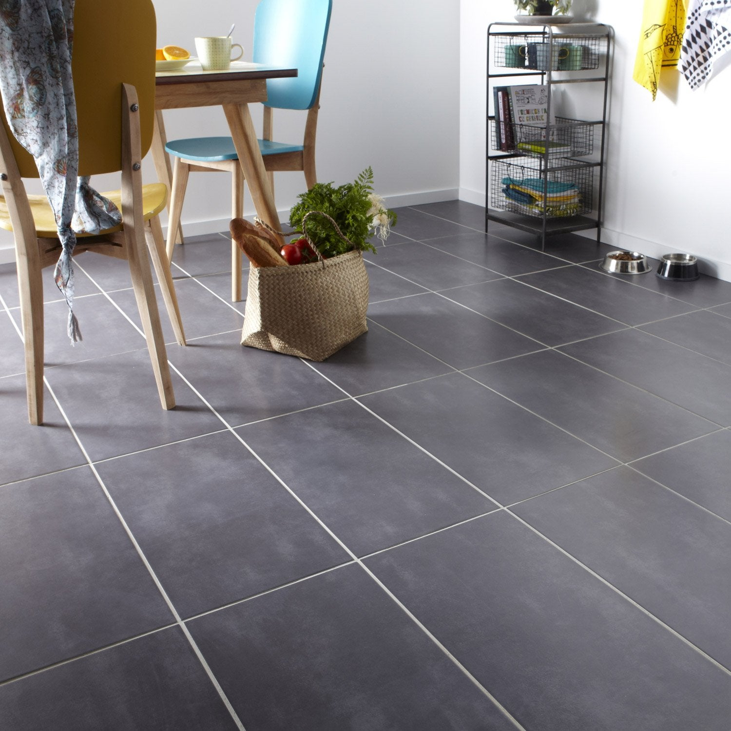 Carrelage sol et mur anthracite effet b ton welcome x cm leroy merlin for Cuisine carrelage gris anthracite