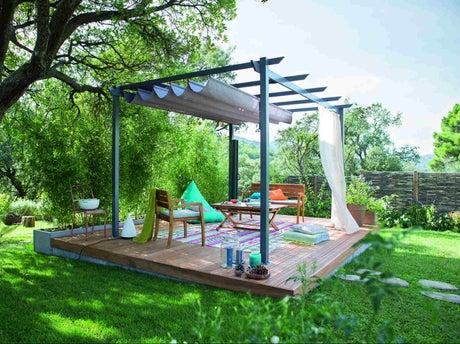 Comment cr er une terrasse bois en pente leroy merlin - Comment amenager une terrasse en bois ...