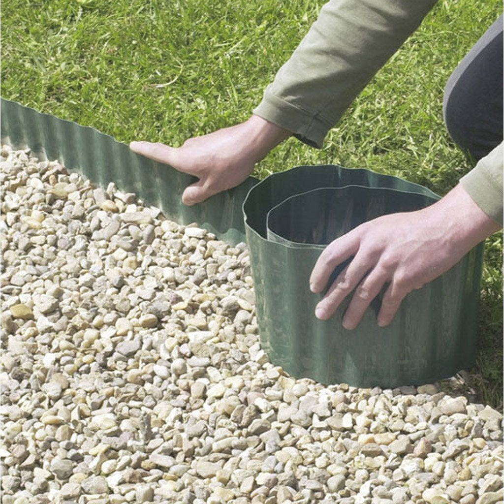 Bordure d rouler plastique vert x cm leroy for Bordures jardin pvc