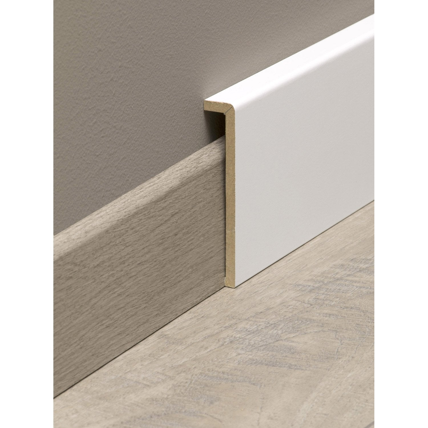 Surplinthe de r novation m dium mdf m lamin blanc 19 x 110 mm l 2 2 m leroy merlin for Plinthe renovation