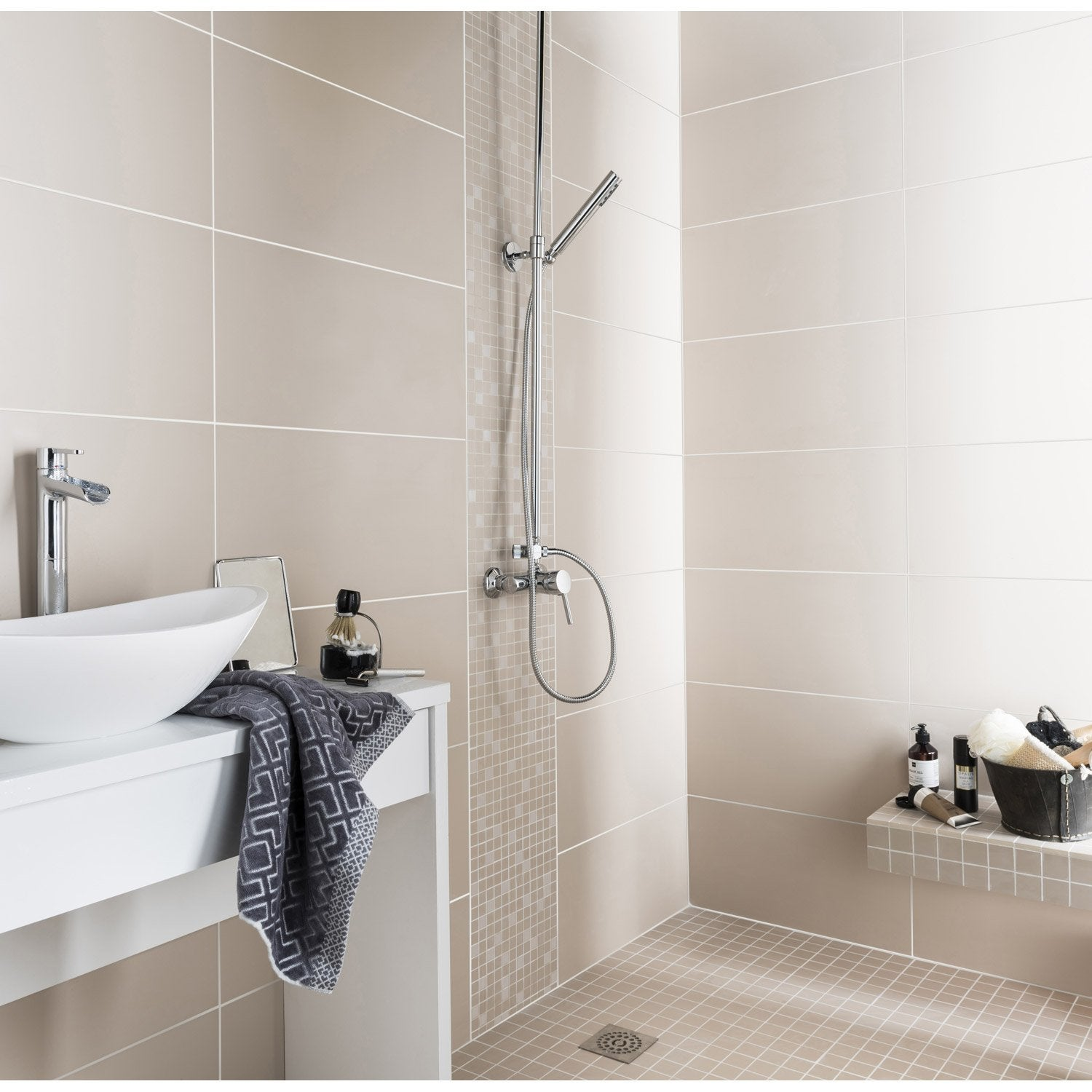 Fa ence mur taupe purity x cm leroy merlin for Faience salle de bain porcelanosa