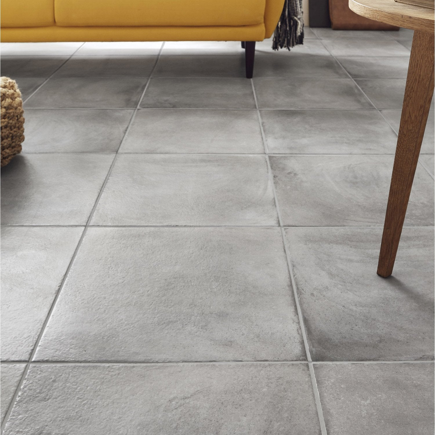 Carrelage sol gris effet b ton x cm leroy merlin for Table exterieur weldom