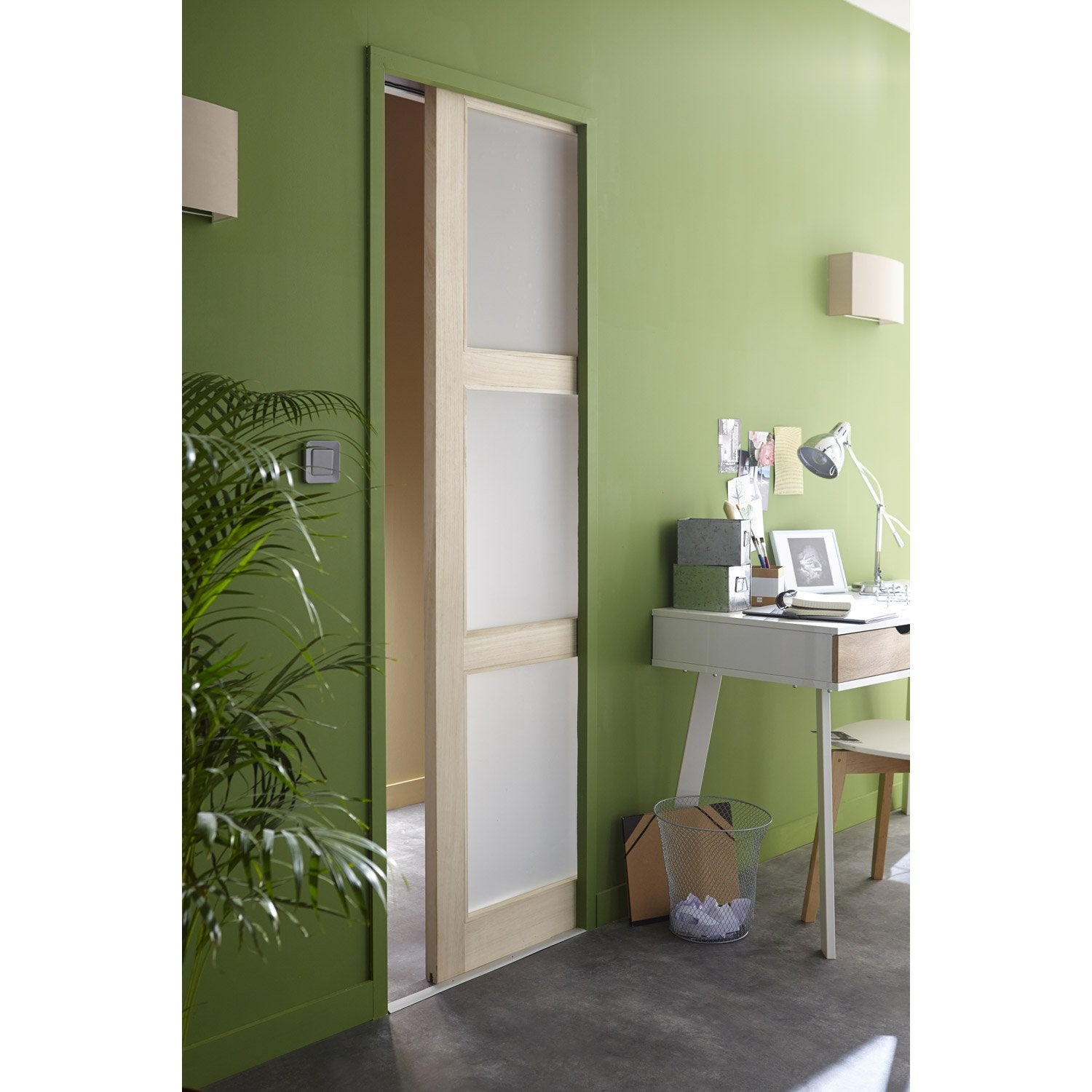 Ensemble porte coulissante bowen paulownia avec le for Porte extensible leroy merlin