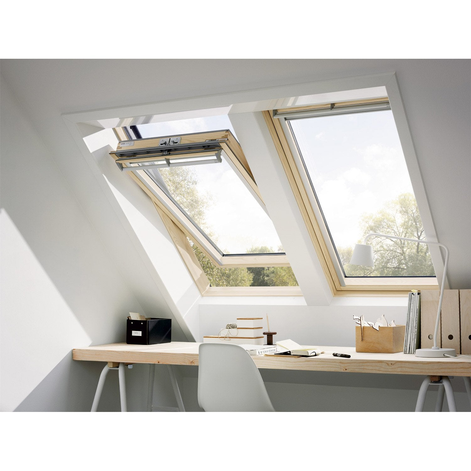 Store velux 114x118 pas cher for Fenetre plus large que haute