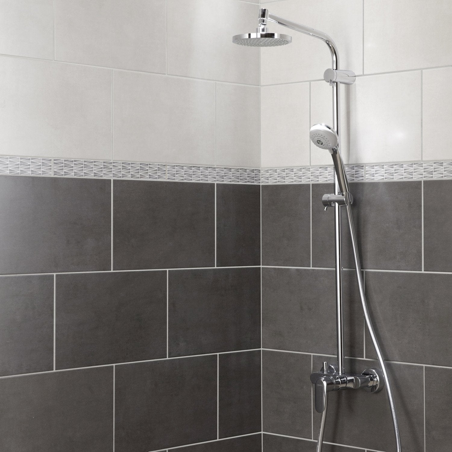 Fa ence mur anthracite smart x cm leroy merlin for Faience salle de bain blanche
