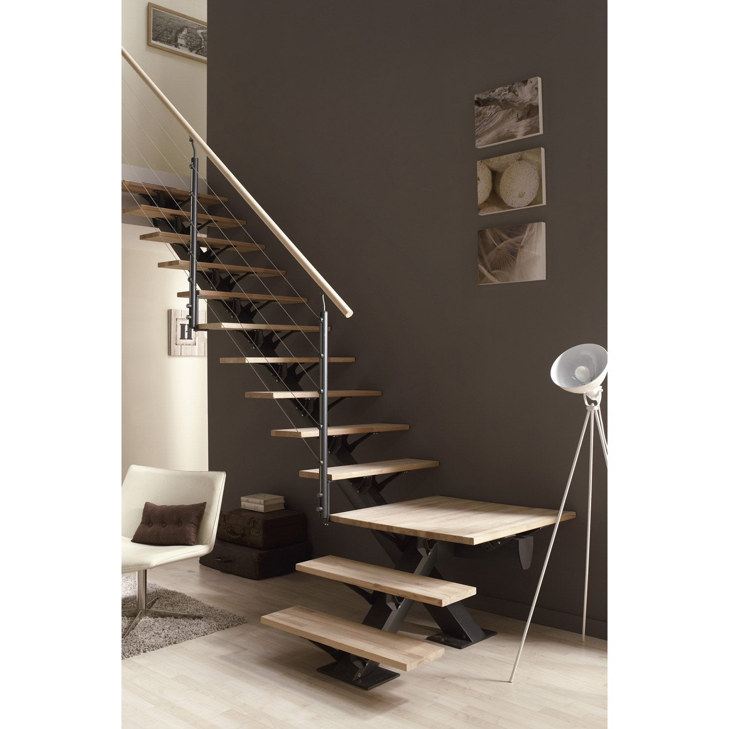 escalier quart tournant mona structure aluminium marche bois leroy merlin. Black Bedroom Furniture Sets. Home Design Ideas
