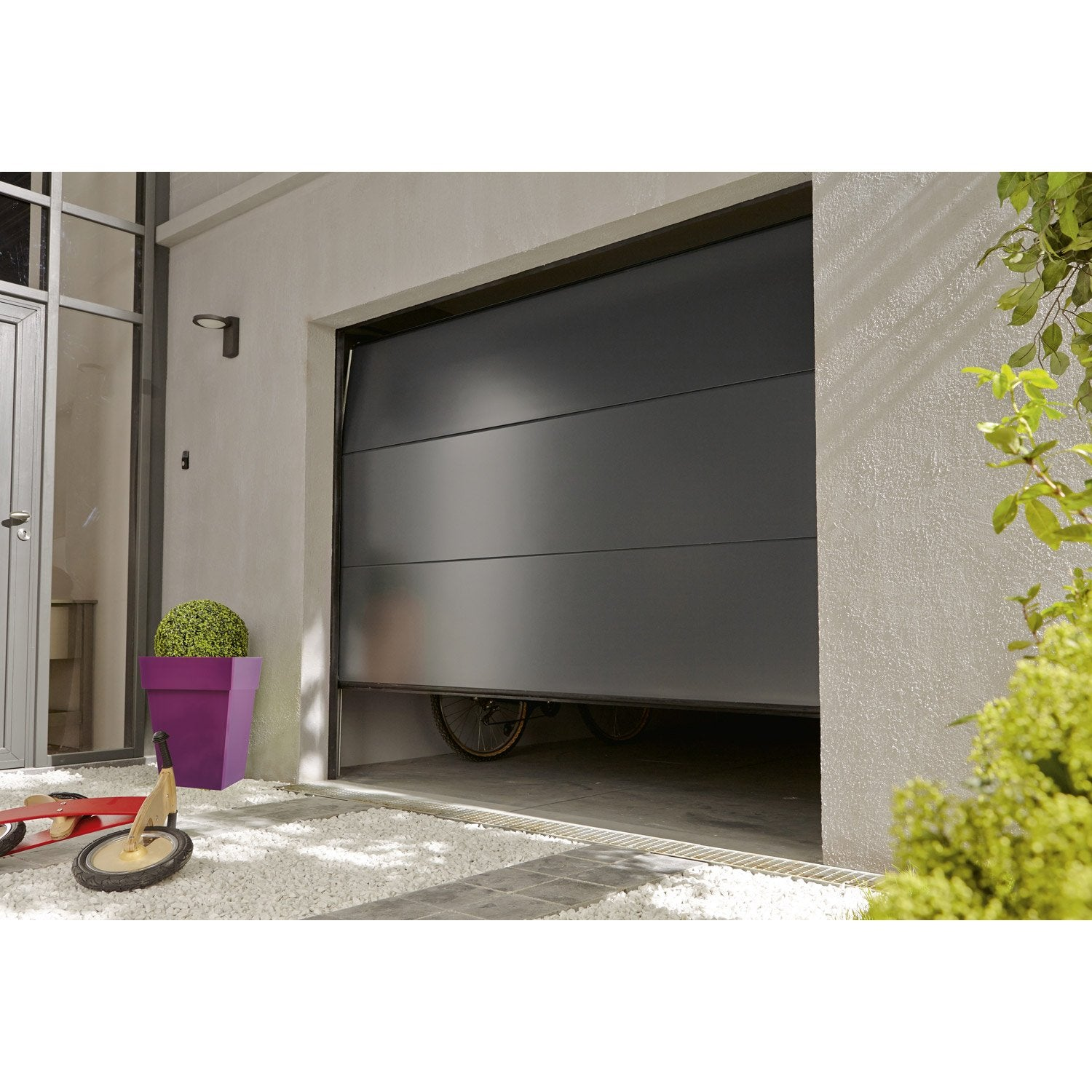 Porte de garage sectionelle palma acier gris anthracite for Portillon pvc gris anthracite