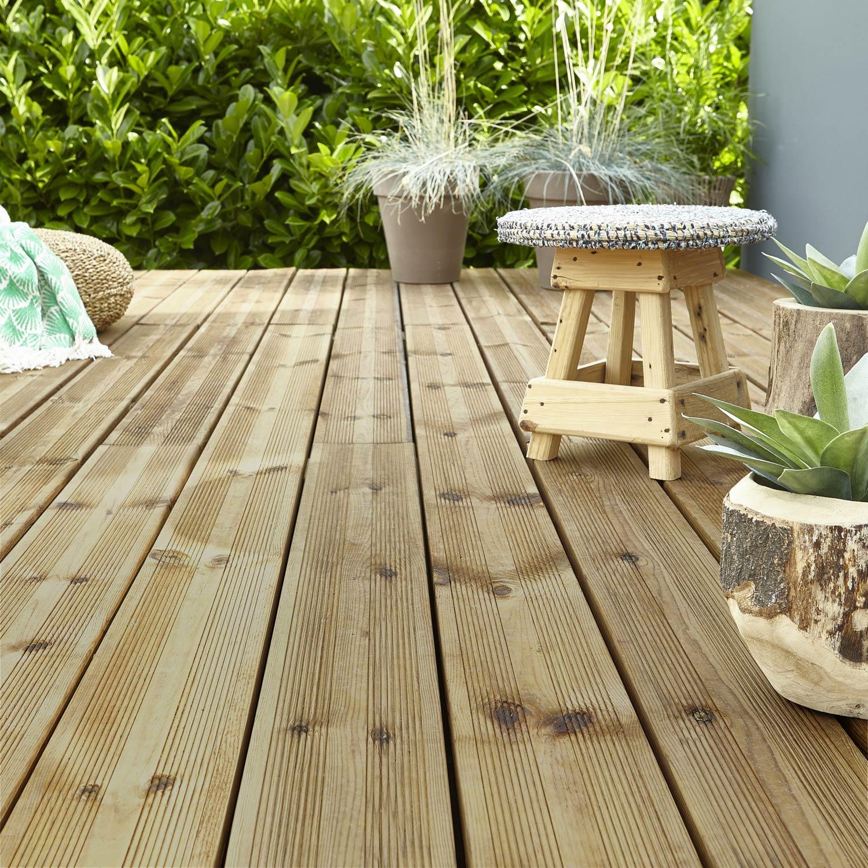 Planche kuhmo en bois pin vert cm x cm x mm leroy merlin - Leroy merlin planche pin ...
