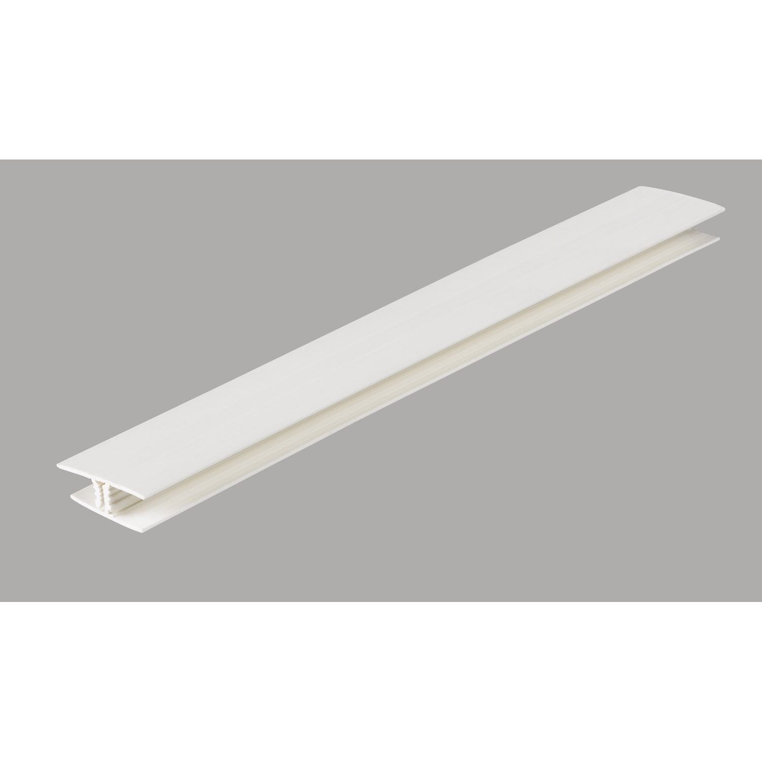 Profil de finition pour lambris pvc 5 5 x 1 2 cm l 2 6 m for Pose d un lambris pvc au plafond