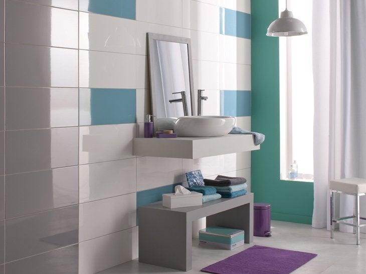 Salle de bain rouge 2017 solutions pour la d coration for Conseil carrelage salle de bain