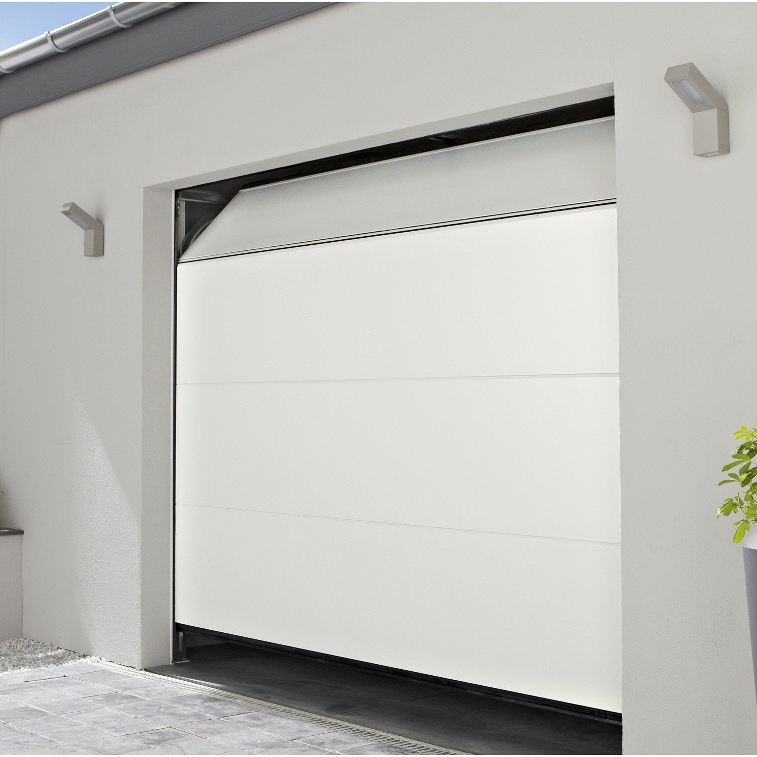 Porte de garage sectionelle motoris e chypre rainures for Porte de garage sectionnelle 220 x 200