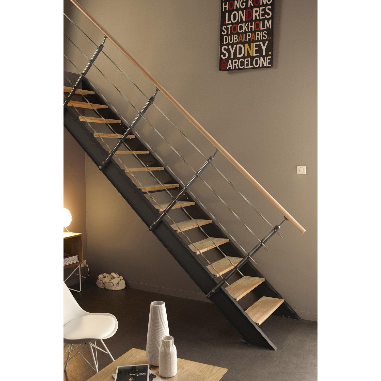 Escalier droit lisa structure m tal marche bois leroy merlin for Escalier exterieur bois et metal