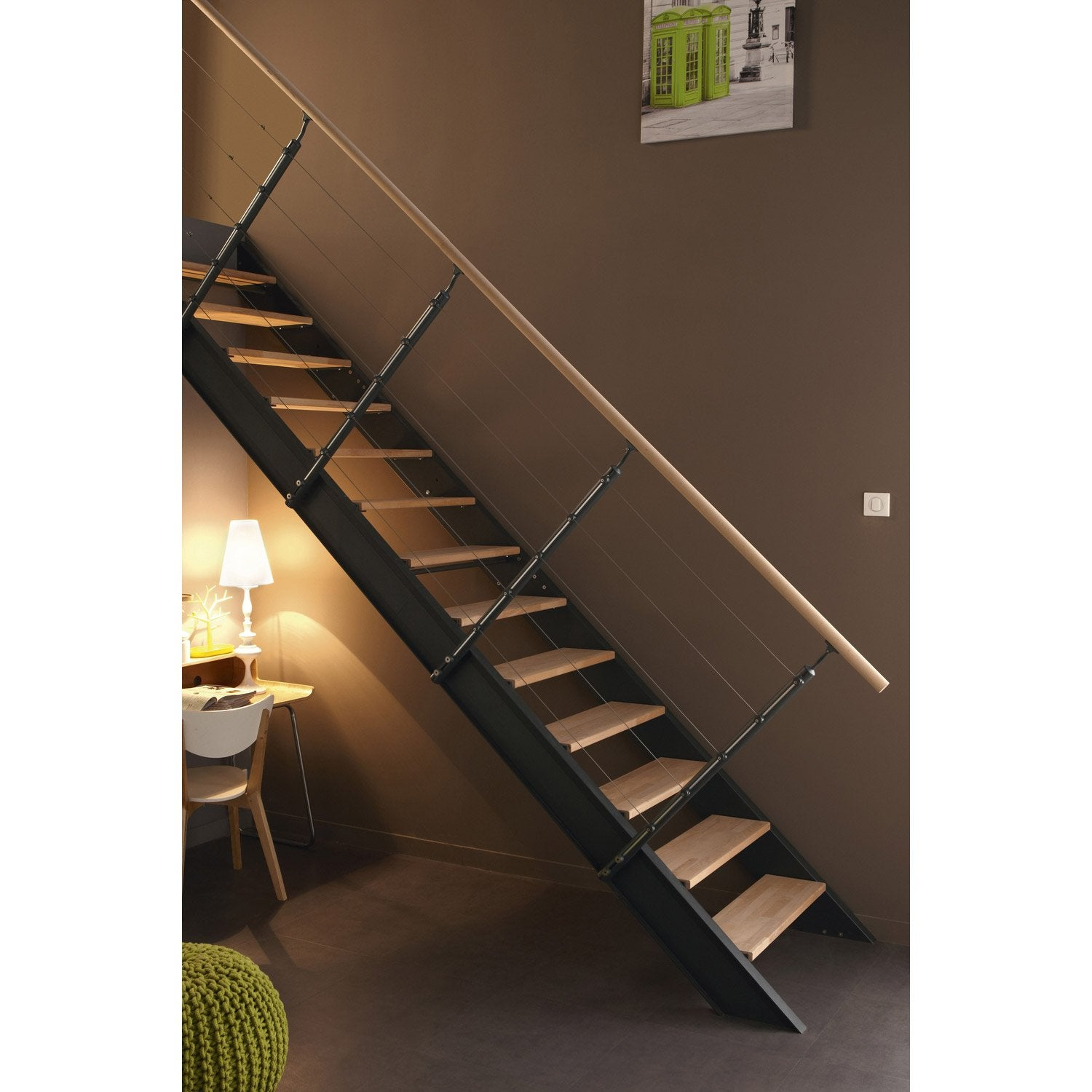 Pin marche en bois structure m tallique limon central - Marche escalier leroy merlin ...