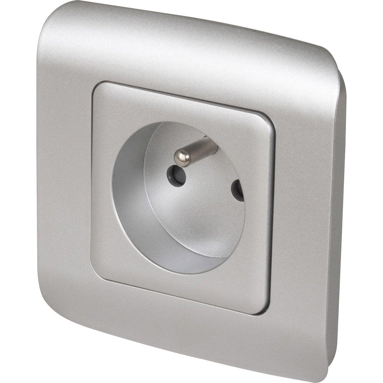 Prise avec terre cosy lexman gris aluminium leroy merlin - Prise electrique murale ...