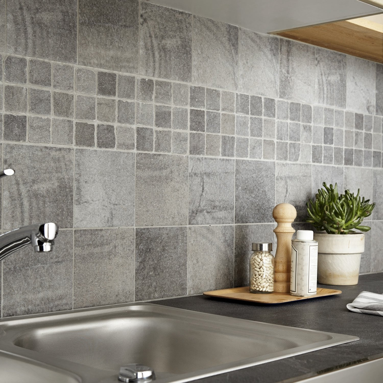 Carrelage sol et mur gris vestige x cm leroy - Modele carrelage cuisine mural ...