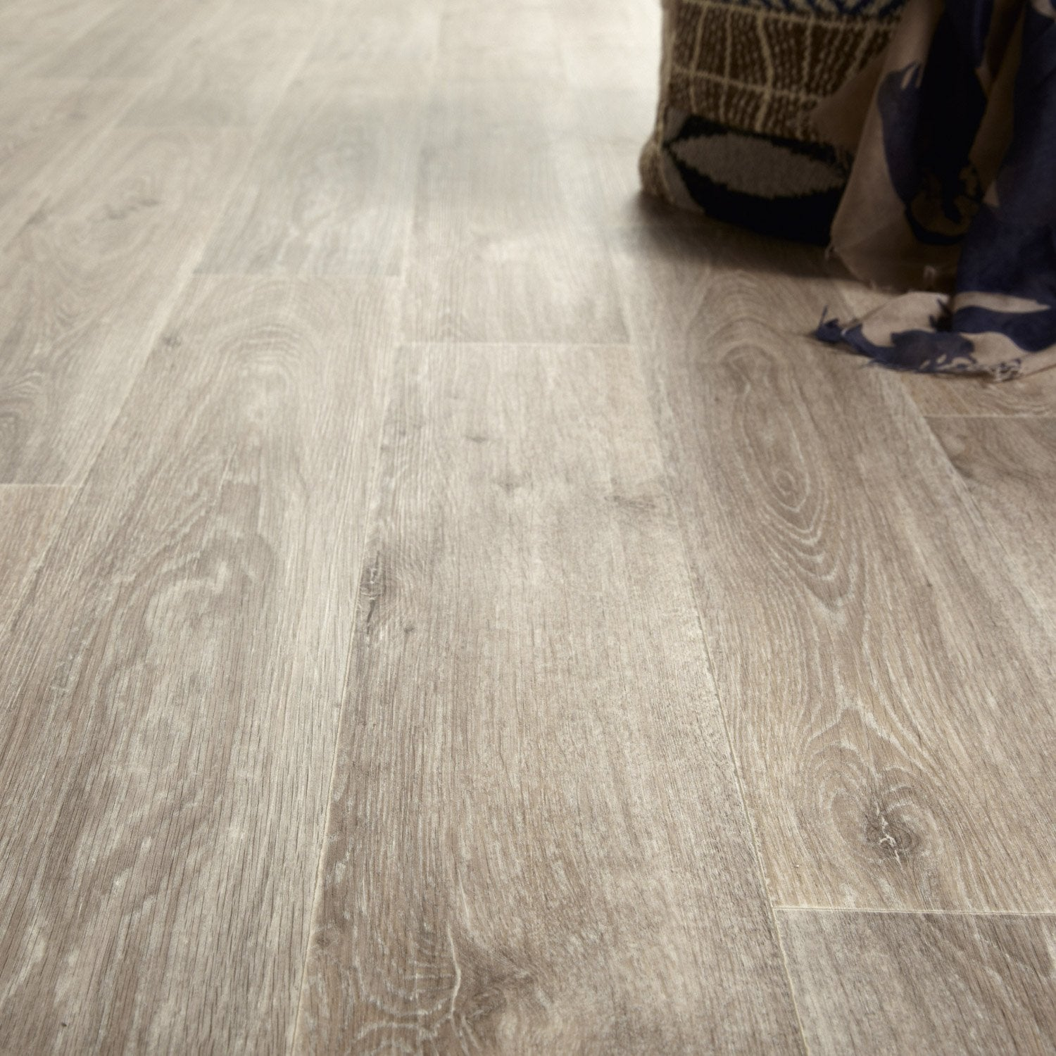 Sol vinyle texline hqr noma champagne coupe 4 for Coupe carrelage leroy merlin