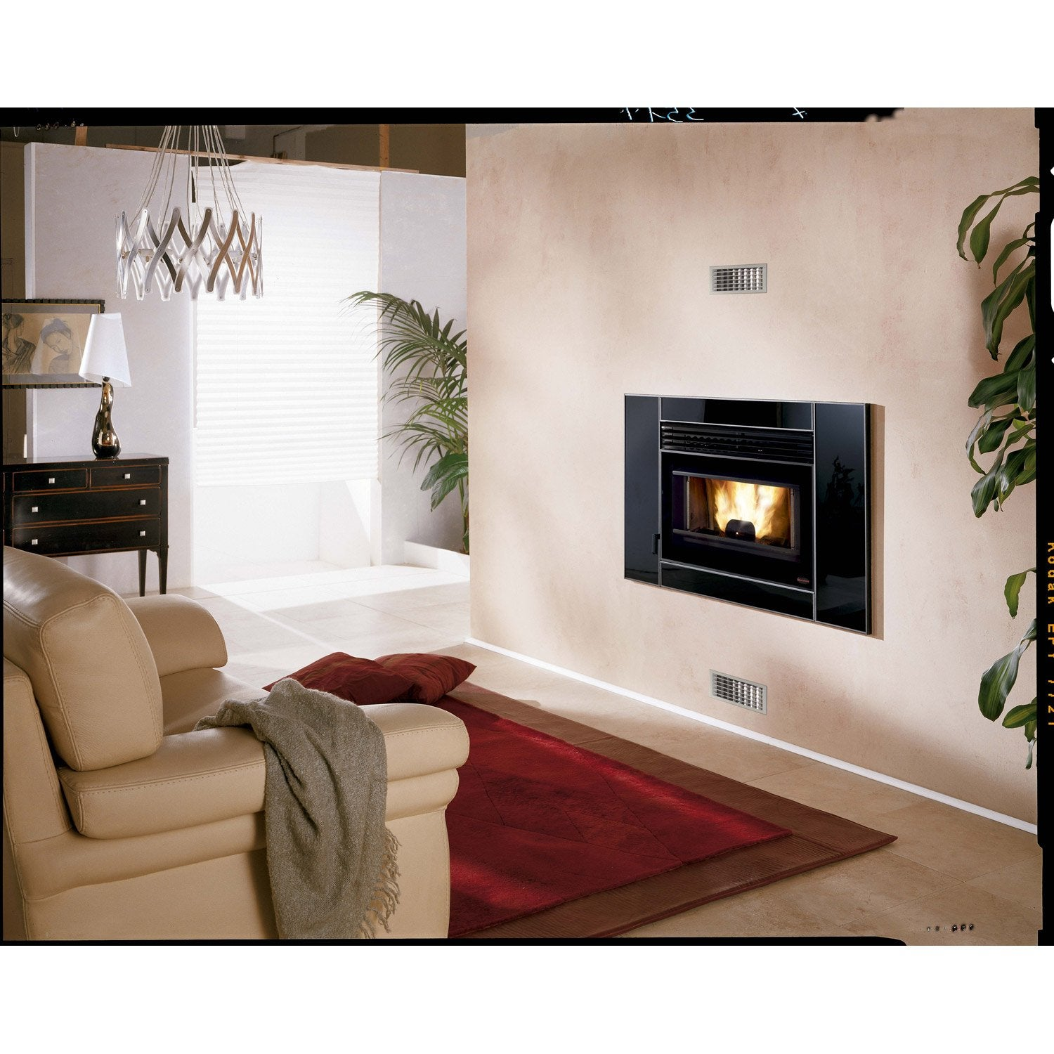 insert granul s autonome extraflame comfort p80 7 kw leroy merlin. Black Bedroom Furniture Sets. Home Design Ideas
