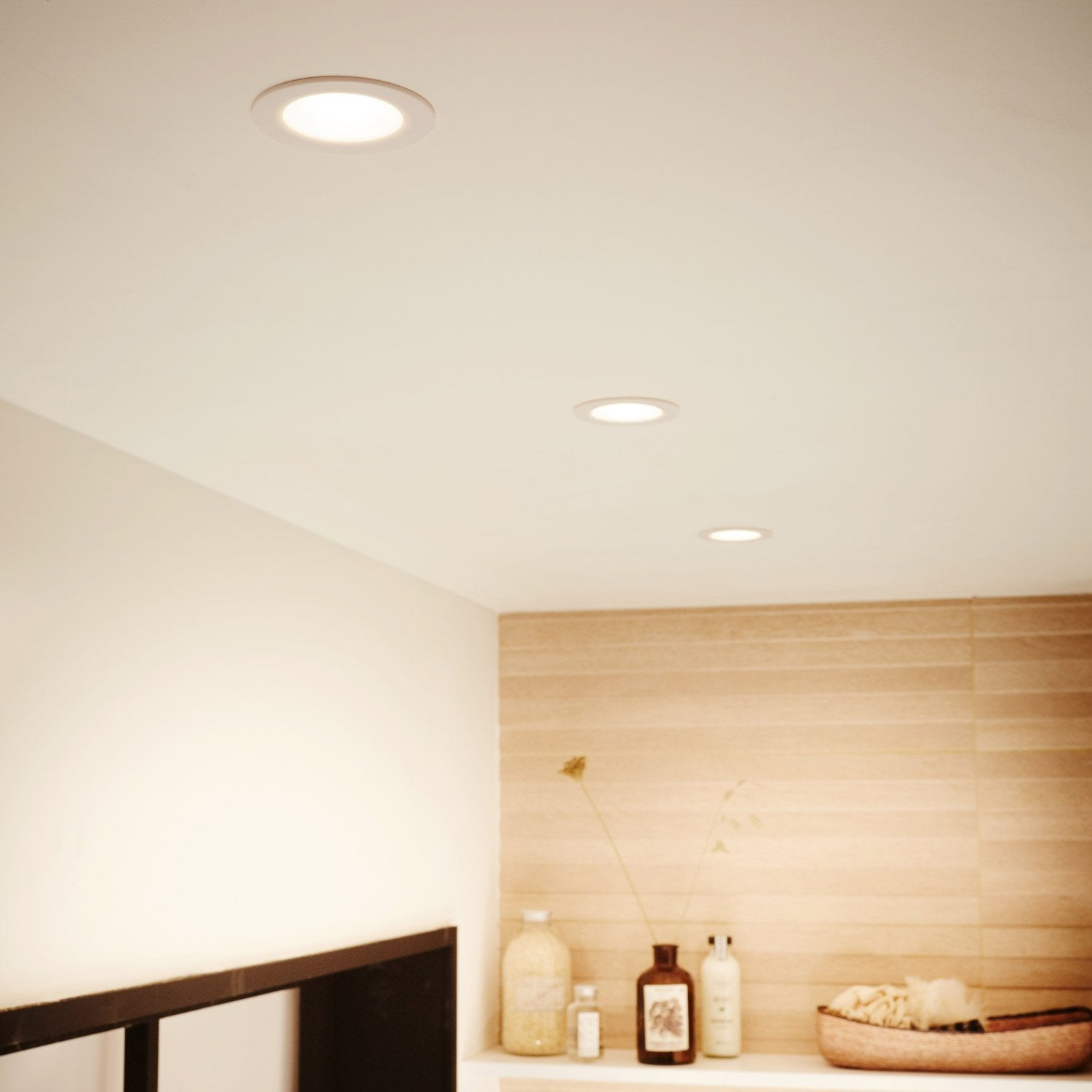 Spot plafond chambre spot encastrable a led spot de for Spot faux plafond salon