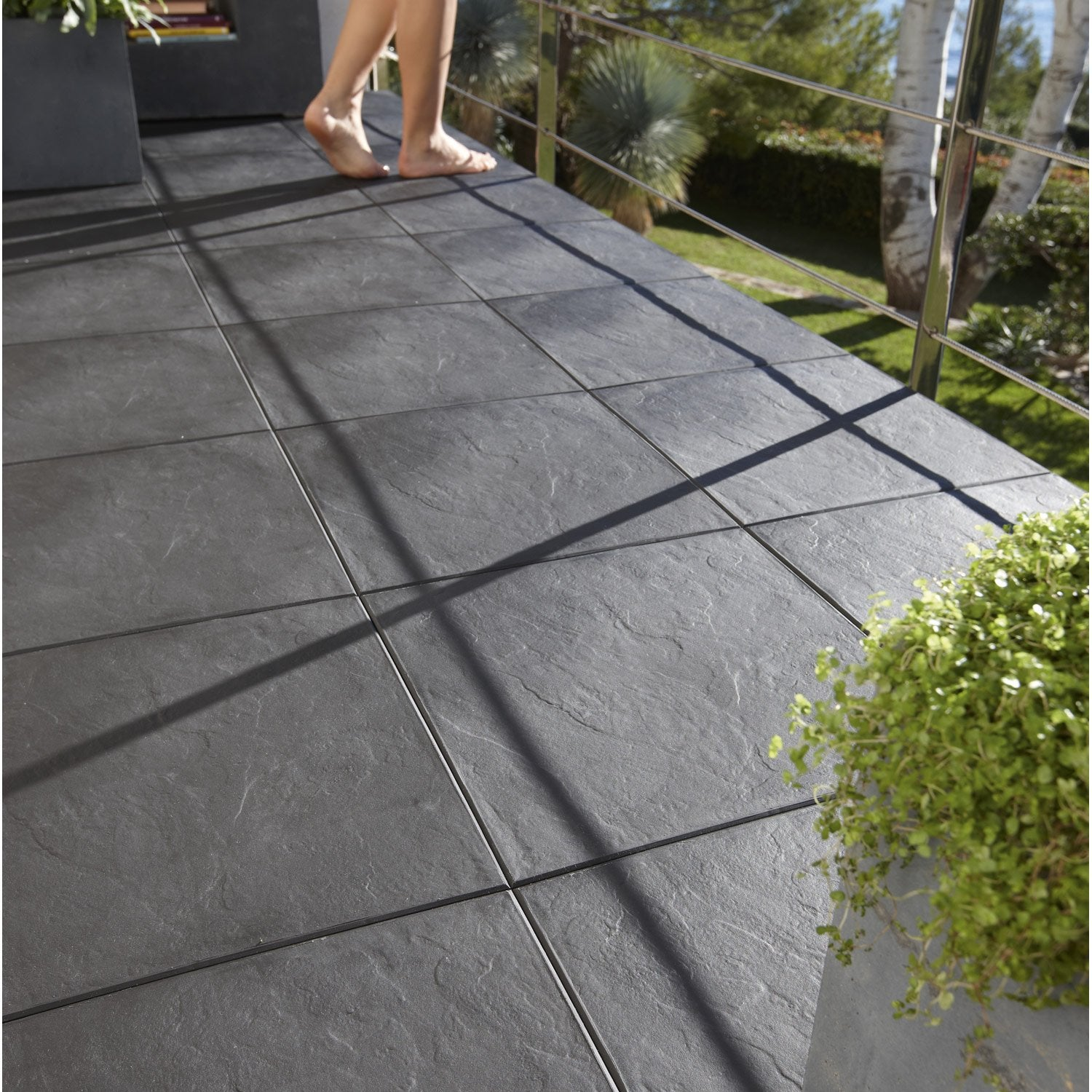 Dalle clipsable easy en polypropyl ne aspect ardoise l 30 - Pochoir pour terrasse beton ...