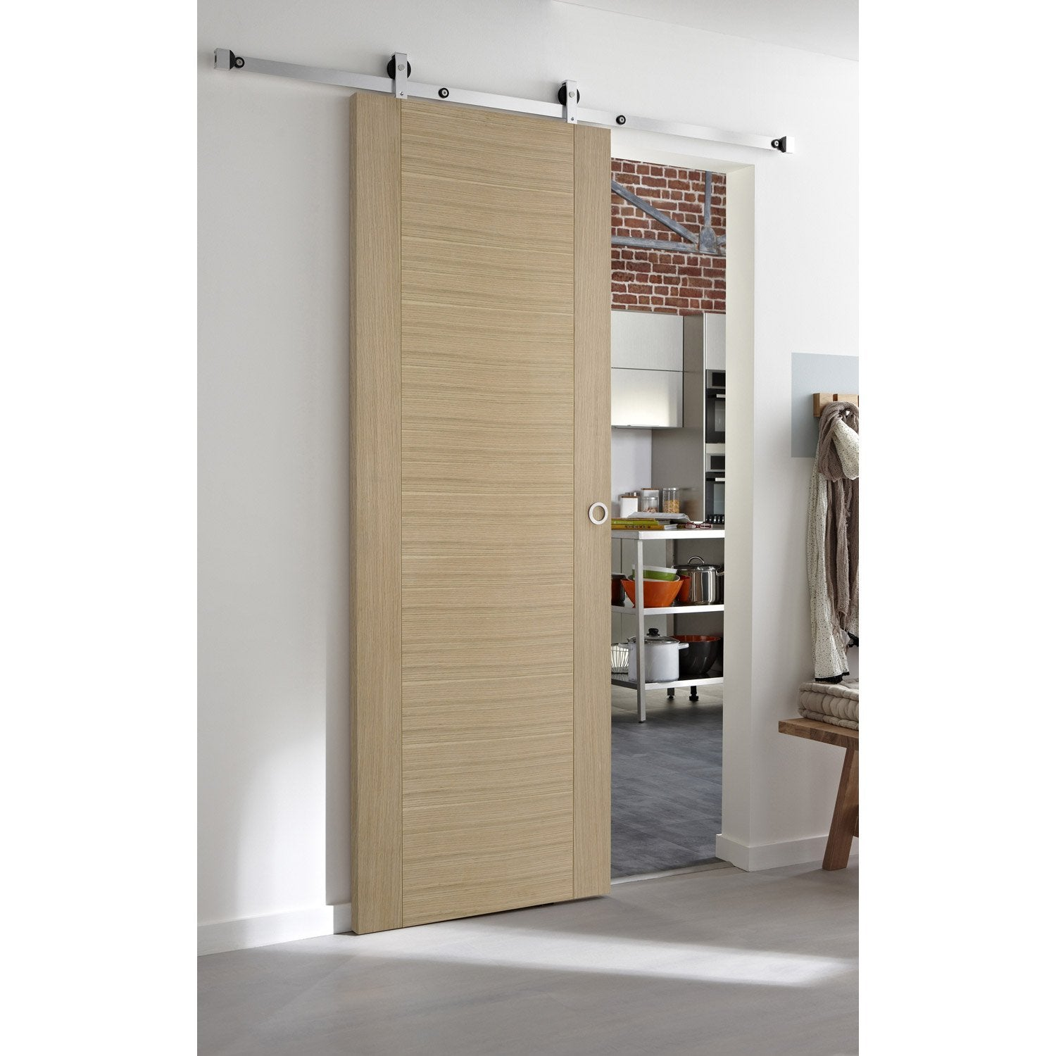 Ensemble porte coulissante helsinki plaqu ch ne rail for Porte coulissante interieur leroy merlin