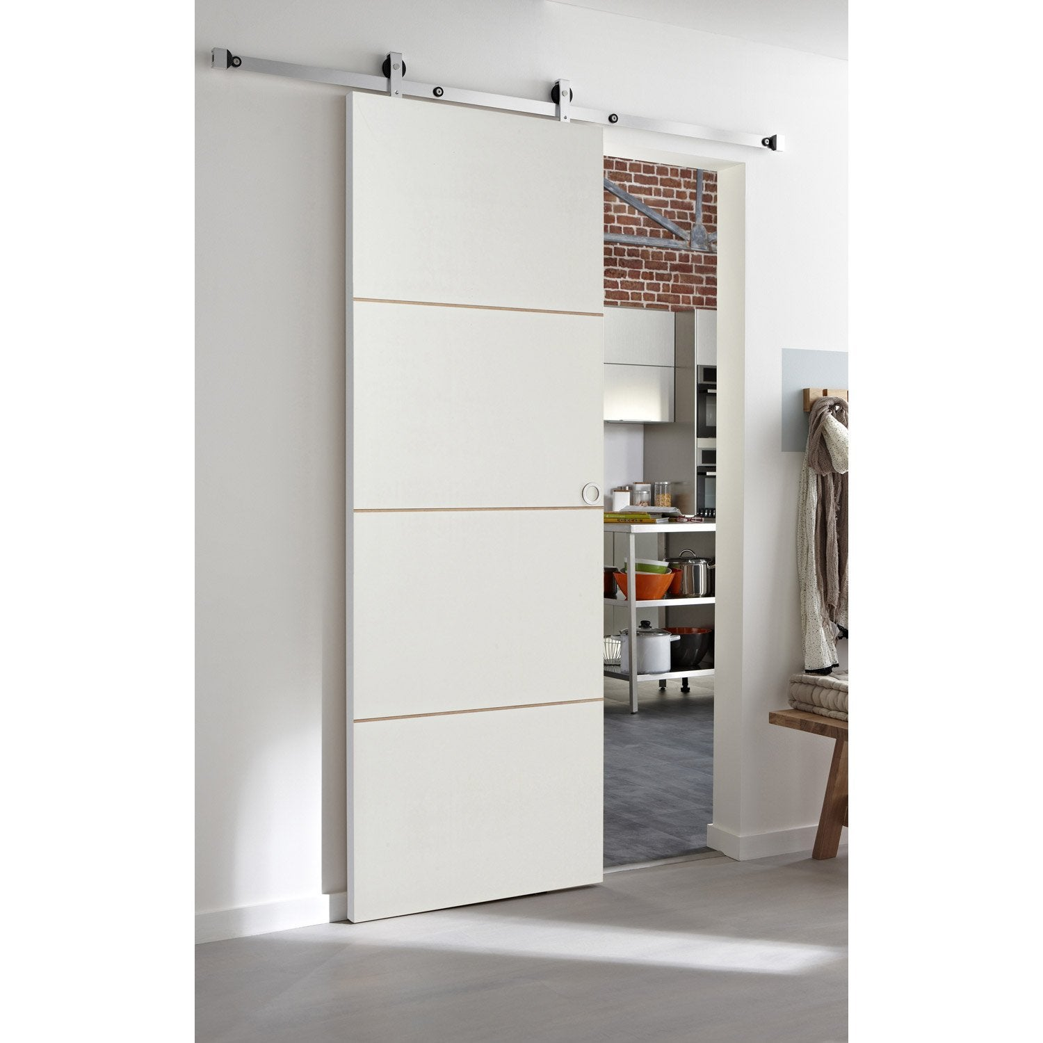 Ensemble porte coulissante milan avec le rail modern bois for Porte de salon leroy merlin