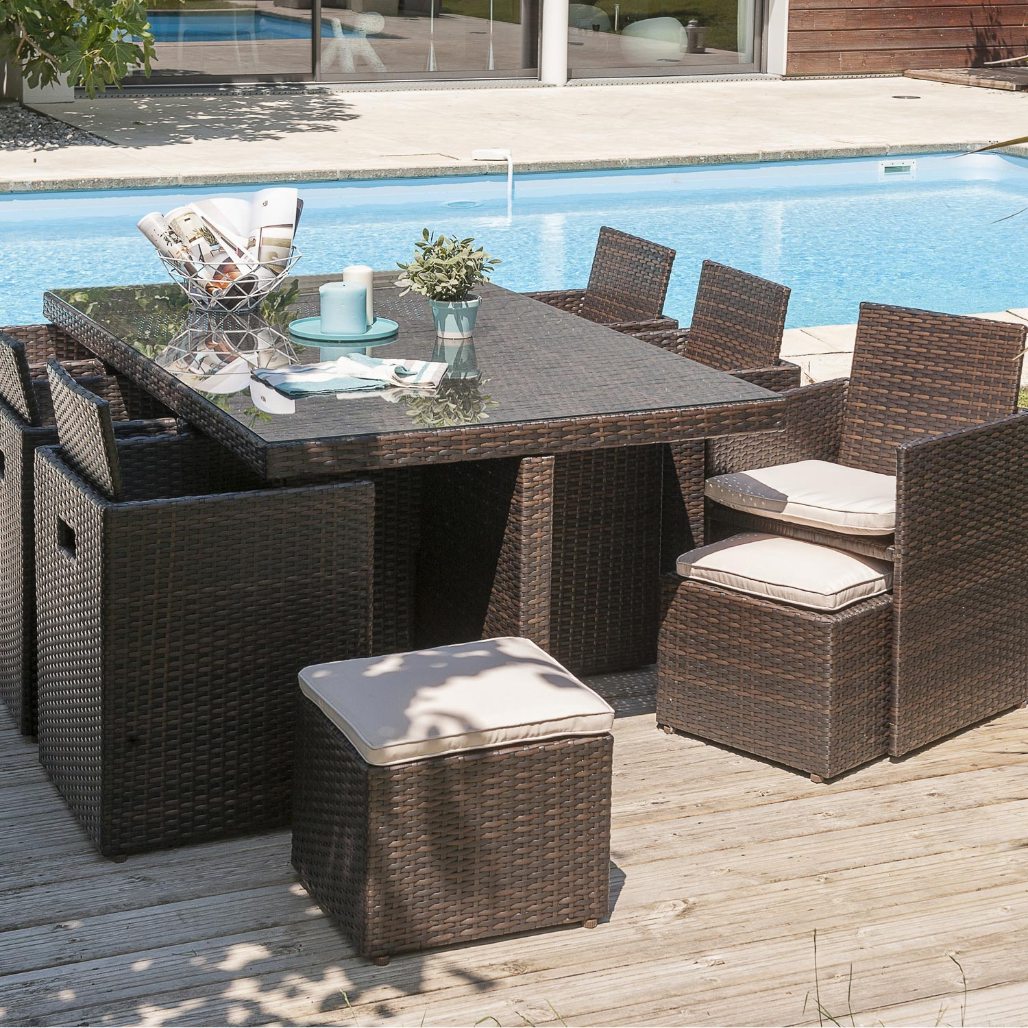 salon de jardin r sine tress e chocolat table 6 fauteuils 2 poufs leroy merlin. Black Bedroom Furniture Sets. Home Design Ideas