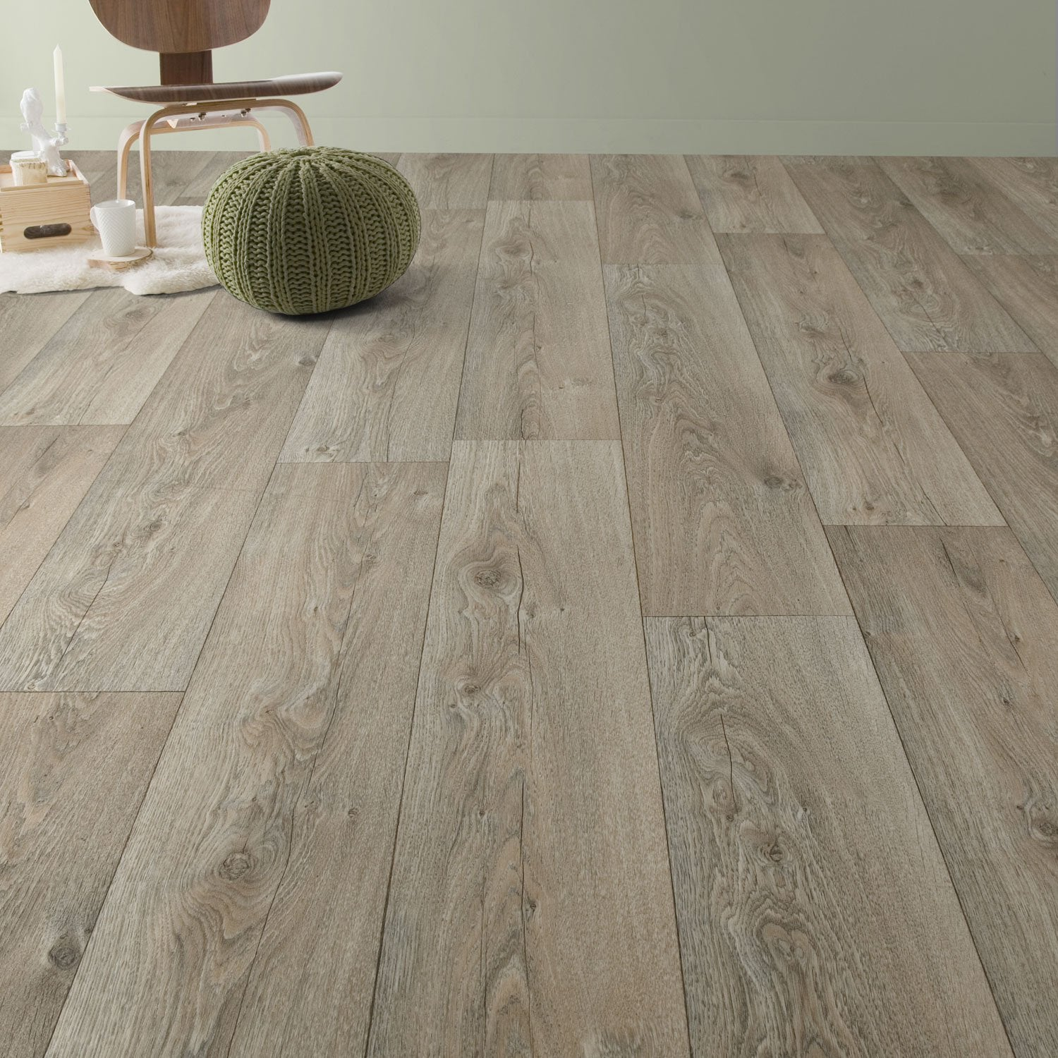 Sol pvc berlin grey l 4 m leroy merlin for Parquet noir leroy merlin