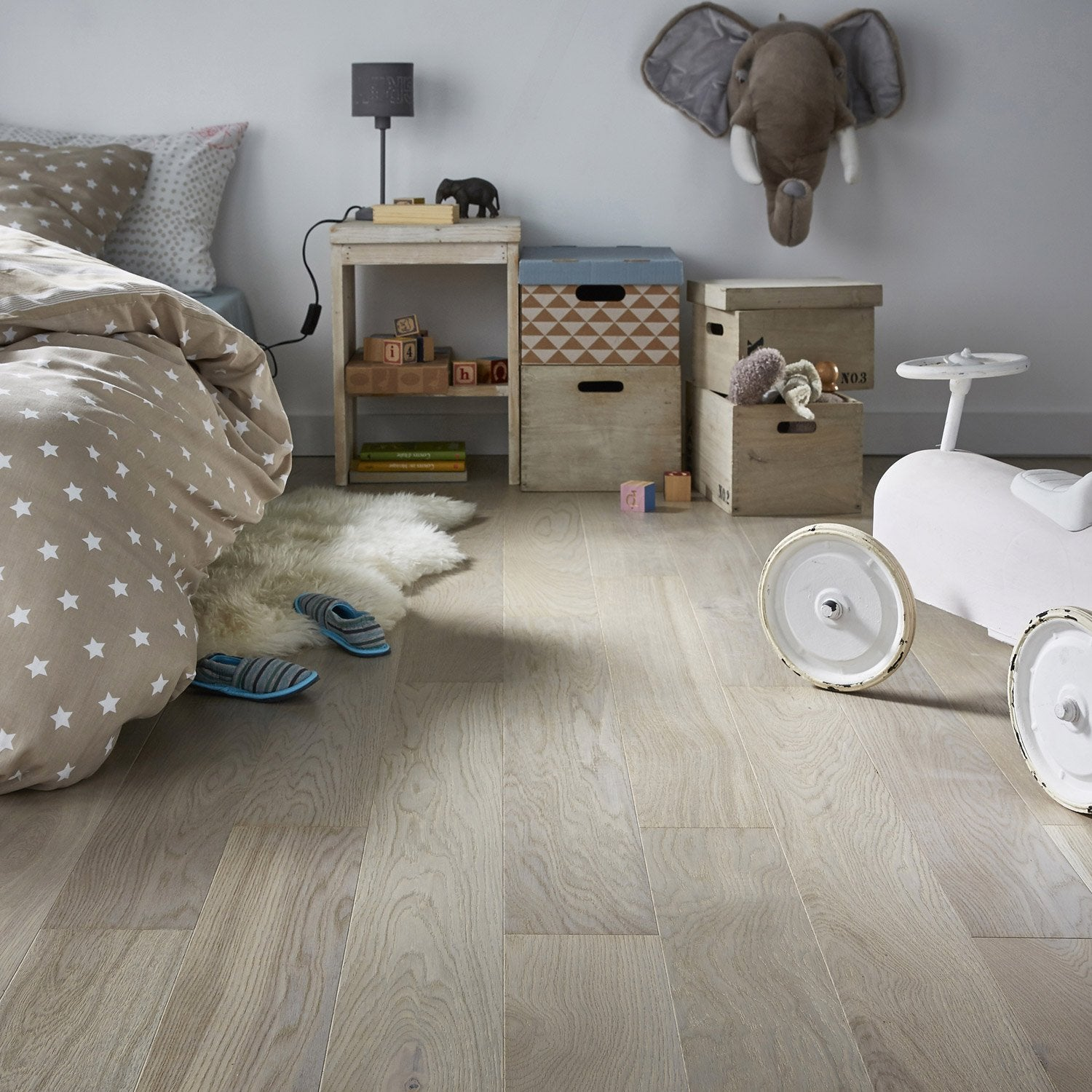 parquet contrecoll ch ne gris clair vitrifi l artens line leroy merlin. Black Bedroom Furniture Sets. Home Design Ideas