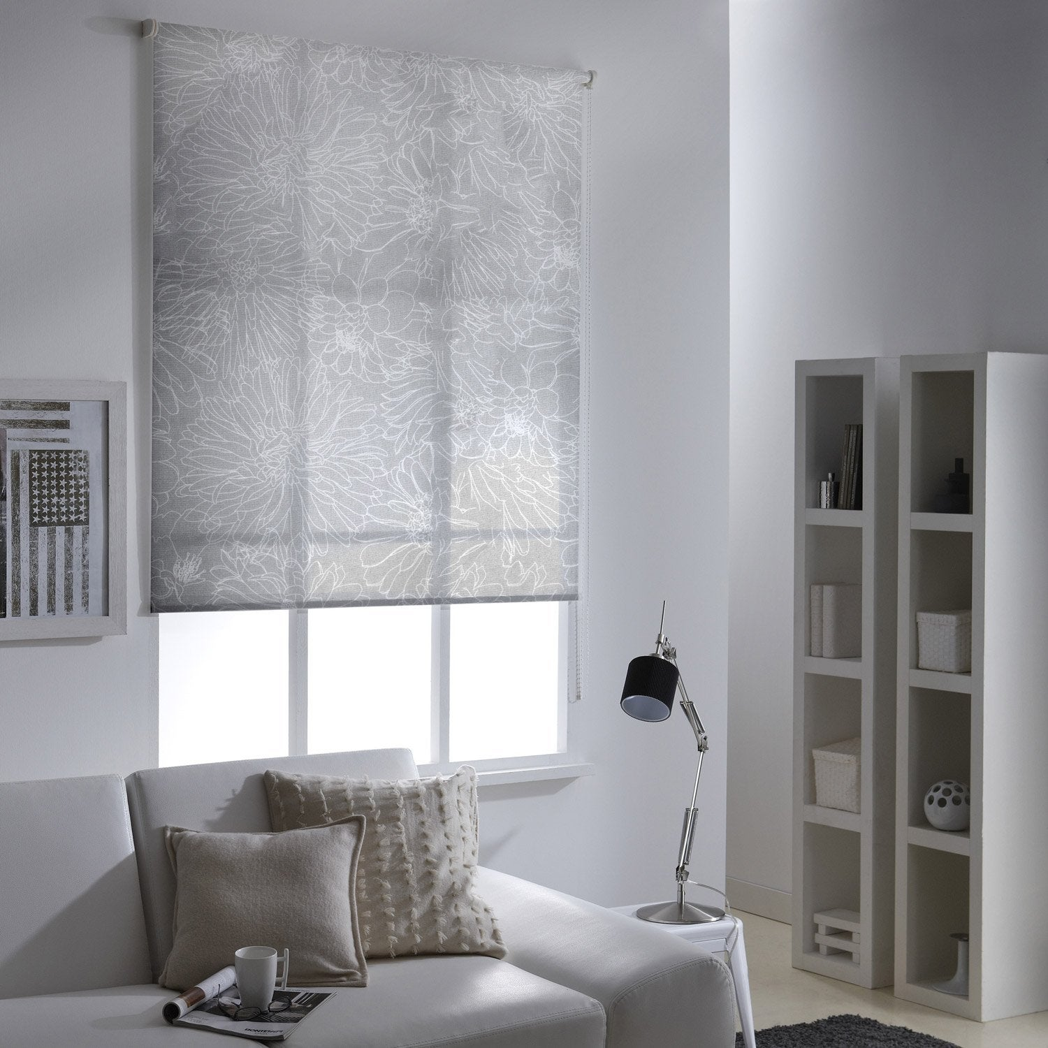 store enrouleur tamisant fleurs crayonn es blanc 95x190 cm leroy merlin. Black Bedroom Furniture Sets. Home Design Ideas