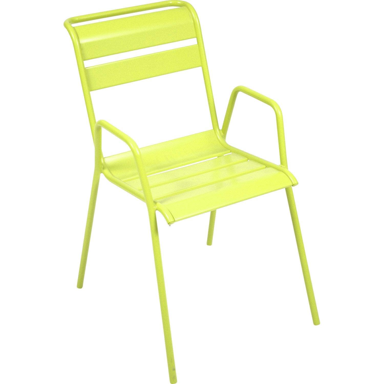 Chaise de jardin en acier monceau couleur verveine - Chaise de couleur ...
