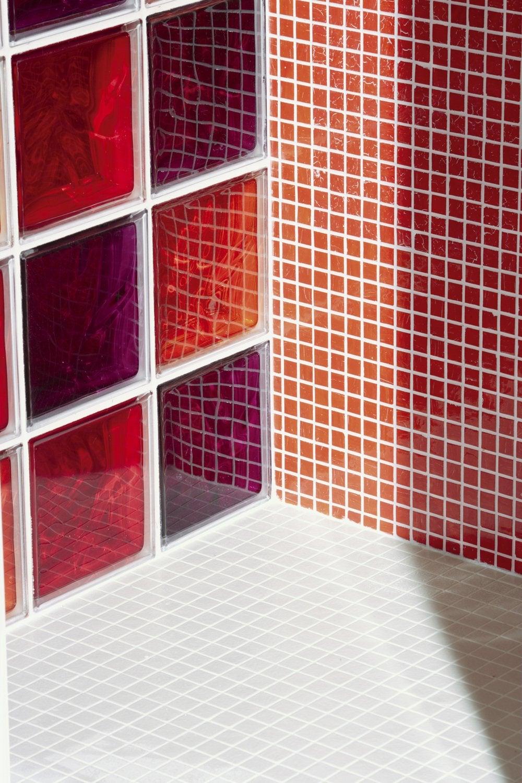 Diaporama des briques de verre dans votre salle de bains for Briquette salle de bain