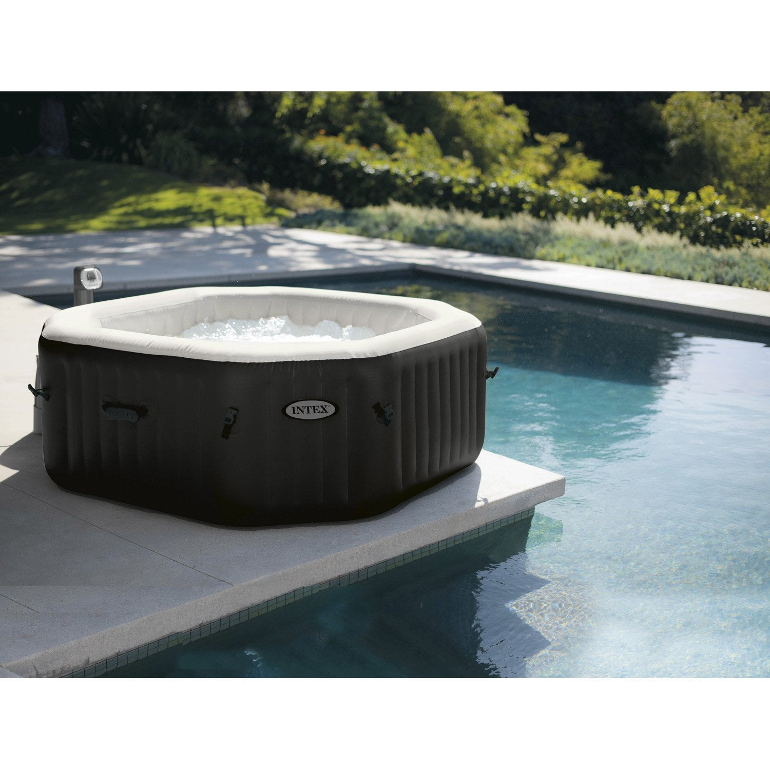 Spa gonflable intex purespa bulles octogonale 6 places assises leroy merlin for Prix jacuzzi exterieur