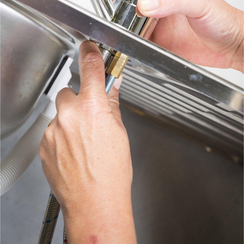 comment changer un joint de robinet top comment changer un robinet de douche ou de baignoire. Black Bedroom Furniture Sets. Home Design Ideas