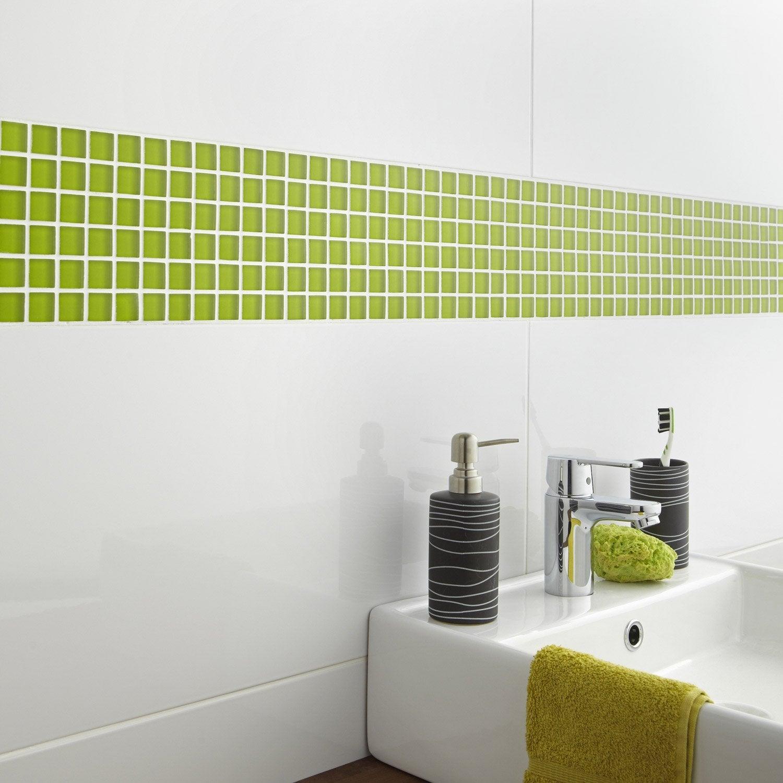 Mosa que mur glass dom vert pistache leroy merlin for Carrelage mural salle de bain vert