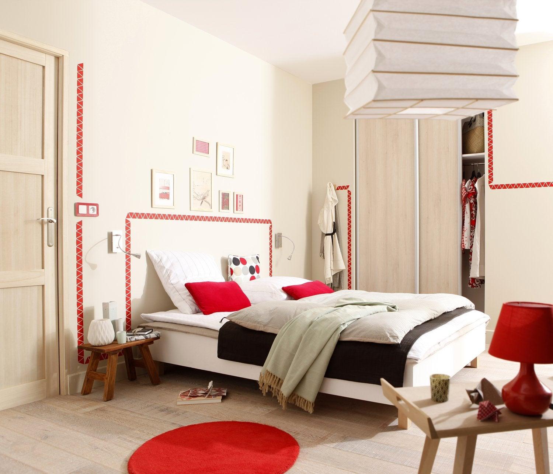 habiller les murs de la chambre avec une peinture effet nacr menthe leroy merlin. Black Bedroom Furniture Sets. Home Design Ideas