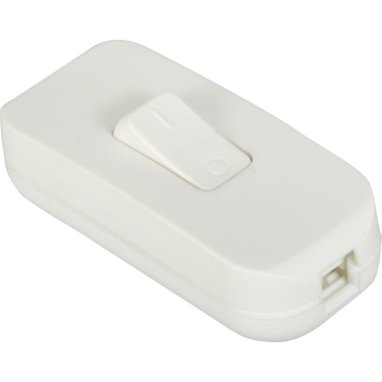Interrupteur blanc legrand 2 a 500 w maxi leroy merlin for Interrupteur lampe de chevet