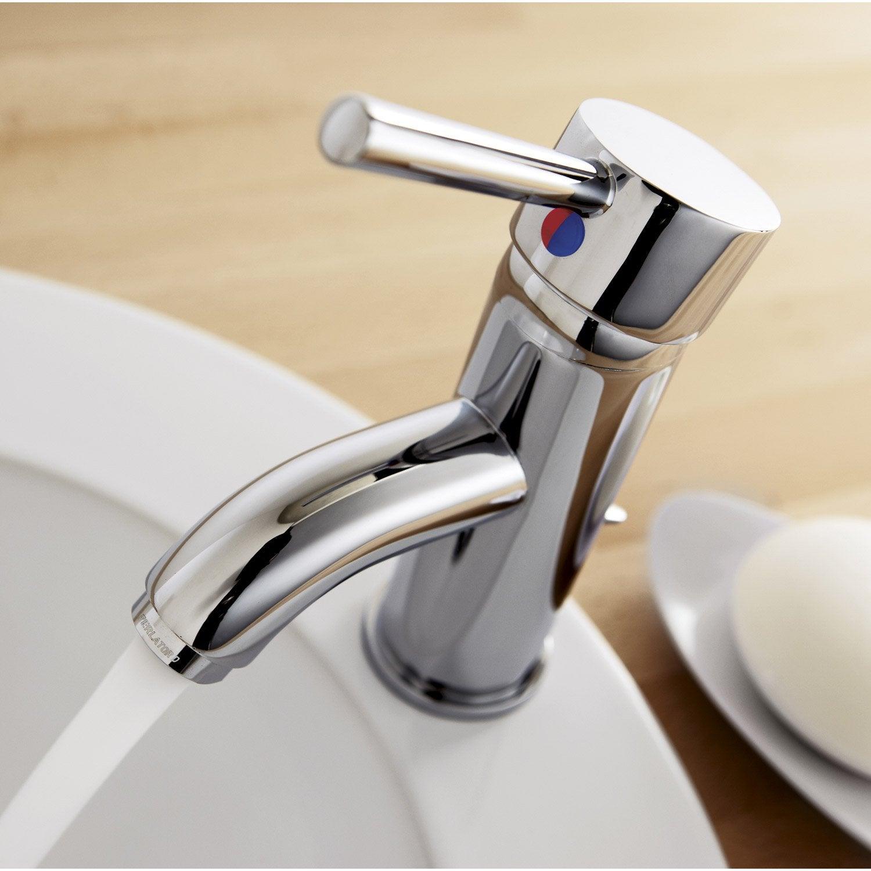 remplacement express en 48 h d 39 un robinet par leroy merlin leroy merlin. Black Bedroom Furniture Sets. Home Design Ideas